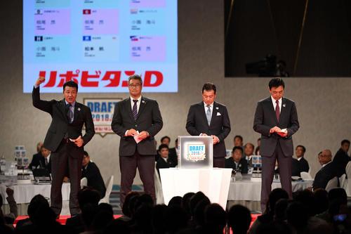 昨年のドラフトで4球団競合の末根尾を引き当てた中日与田監督