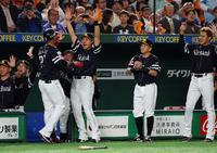 ソフトバンク内川は大声で鼓舞「本当にいい思いを」 - プロ野球 : 日刊スポーツ