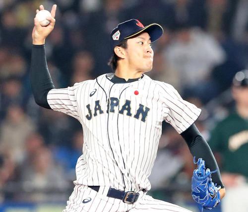 日本対オーストラリア 6回表、日本3番手で登板する岸(撮影・加藤哉)