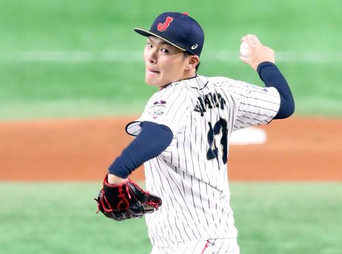 日本対アメリカ 8回表アメリカ、日本5番手で登板し力投する山本(撮影・垰建太)