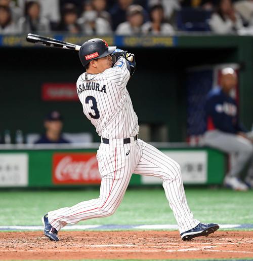 日本対米国 4回裏日本無2死三塁、右前に適時打を放つ浅村(撮影・たえ見朱実)