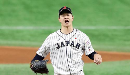 日本対韓国 6回表韓国1死、朴炳鎬を三振に仕留めて雄たけびを上げる中川(撮影・浅見桂子)