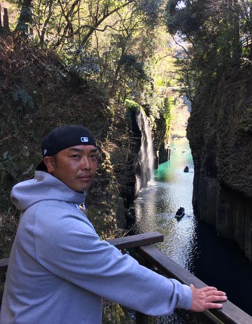 17年2月、宮崎キャンプ休日に「真名井の滝」を訪れる阿部