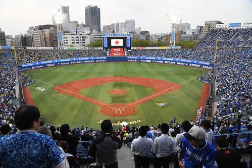 横浜スタジアム全景(2019年4月23日撮影)