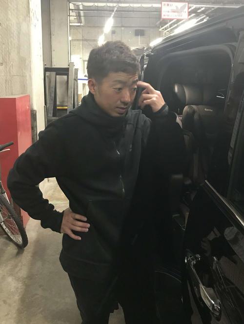 ヤフオークドームを訪れトレーニングで汗を流したソフトバンク嘉弥真(撮影・浦田由紀夫)