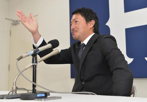 契約更改を終え「球団からはもっとできる」と期待が込められたことを明かした広島長野(撮影・和賀正仁)