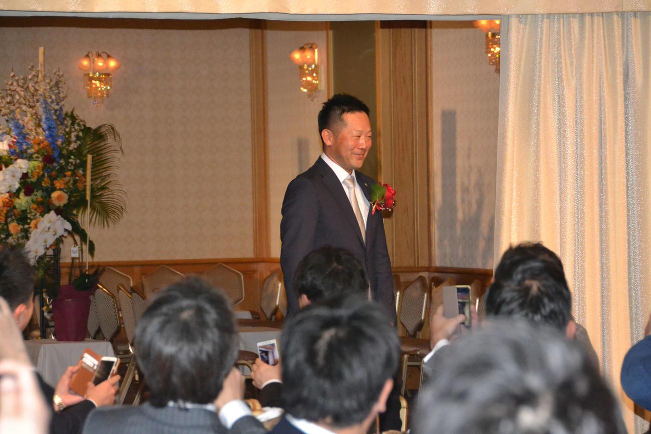 上宮高校野球部OB会主催の監督就任祝賀会に出席した楽天三木監督