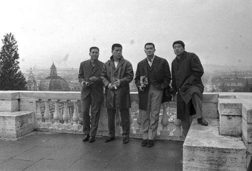 イタリア旅行で記念写真におさまる左から王貞治、野村克也、長嶋茂雄、稲尾和久 1963年12月