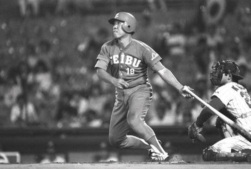 日本ハム対西武 105号本塁打を放ち44歳タイ記録を記録した野村克也