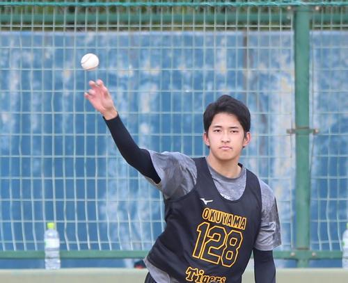 阪神奥山皓太(2020年1月16日撮影)