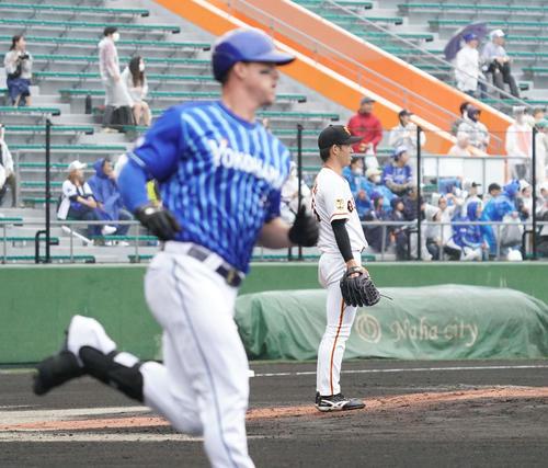 巨人対DeNA 1回表DeNA1死、先発高橋はオースティンに先制のソロ本塁打を浴びる(撮影・加藤諒)