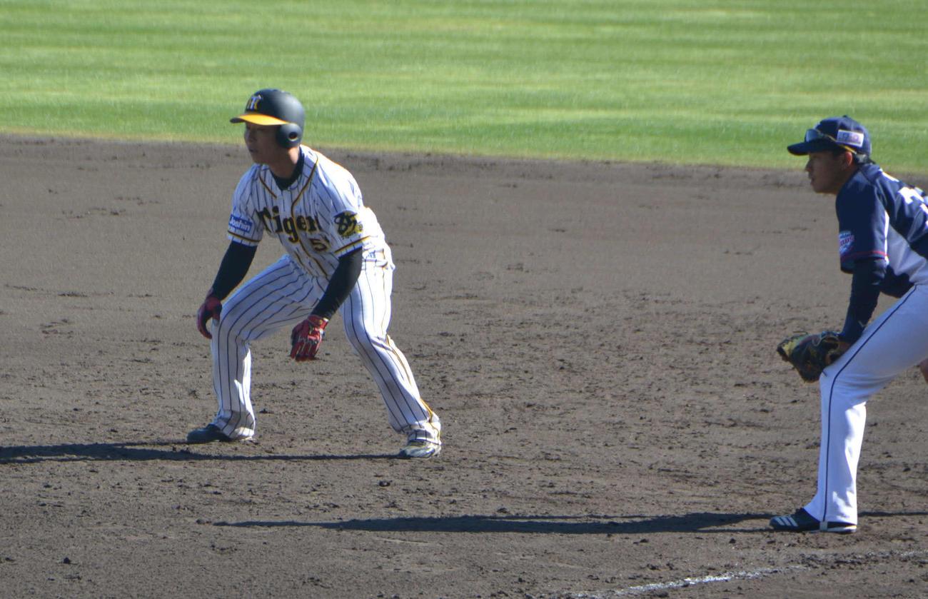 西武との練習試合、9回2死から中前打を放ち出塁した藤田
