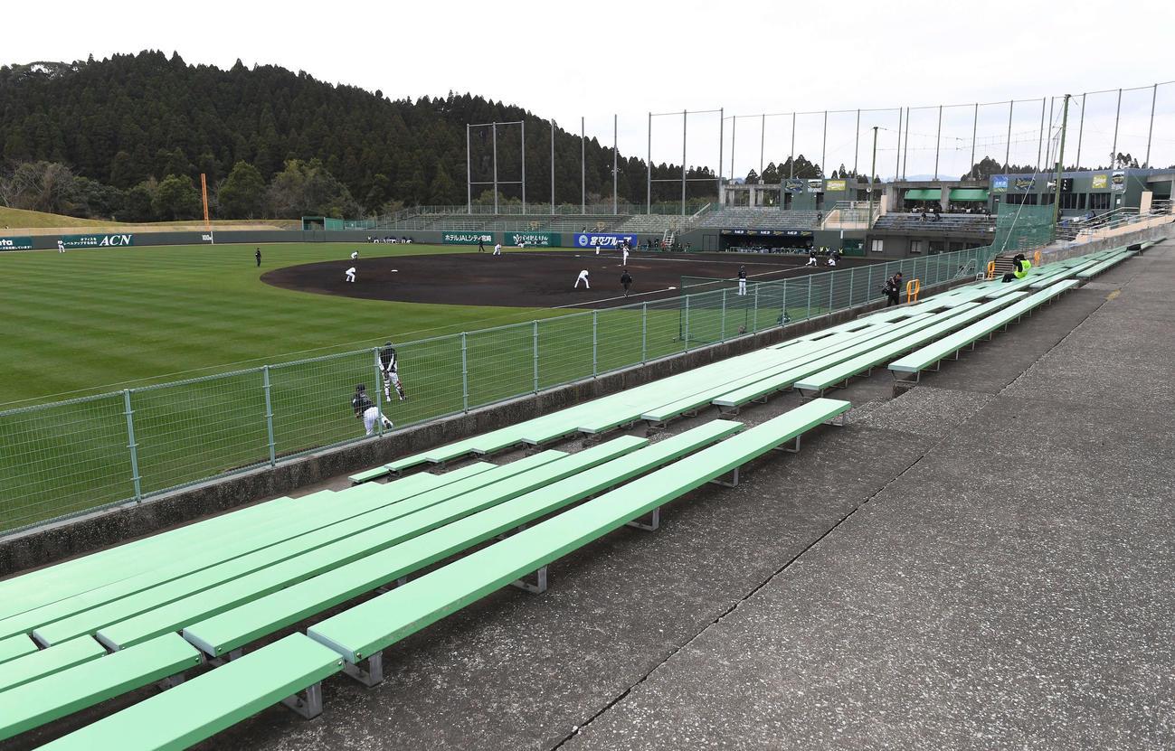 SOKKENスタジアムでのオリックス対ロッテの練習試合は無観客で行われた(撮影・鈴木みどり)