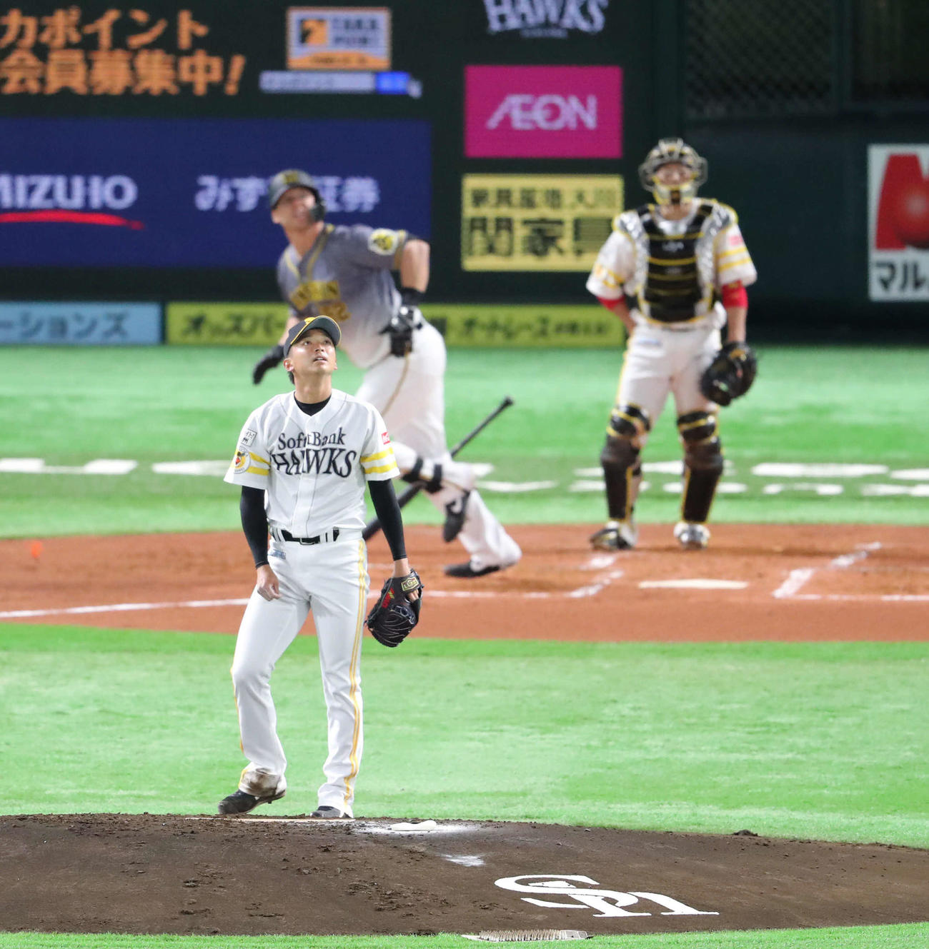 ソフトバンク対阪神 2回表阪神無死、東浜はサンズに左越え先制本塁打を浴びる(撮影・梅根麻紀)あ