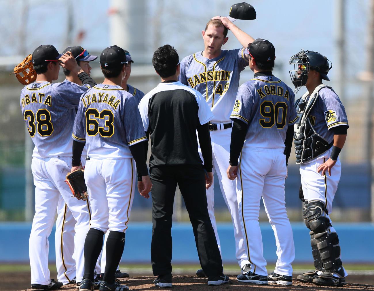 2軍練習試合オリックス対阪神 初回5点を奪われマウンドで険しい表情のガンケル(撮影・上山淳一)
