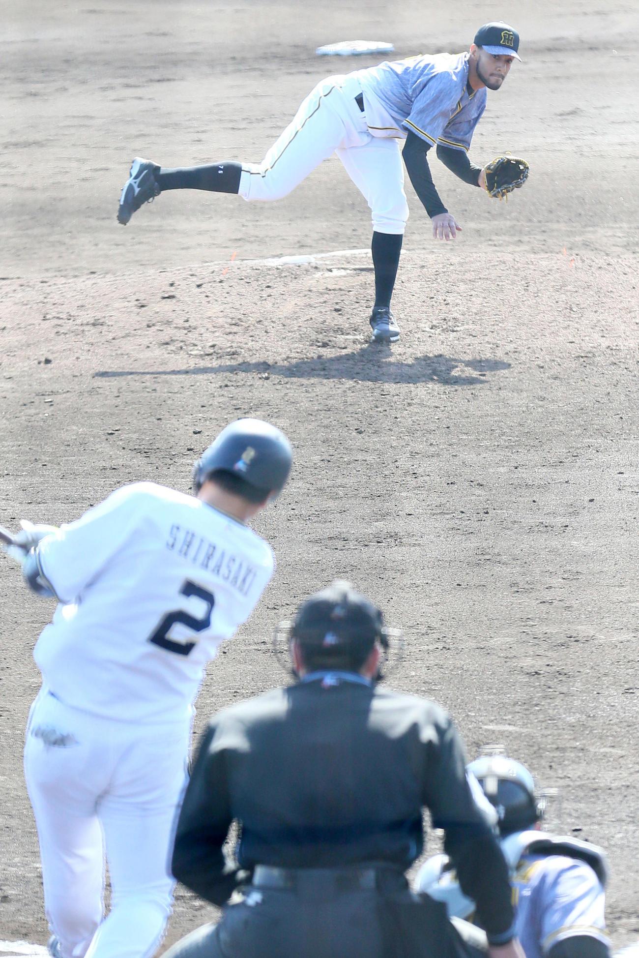 2軍練習試合オリックス対阪神で6回3番手で登板し好投するスアレス(撮影・上山淳一)