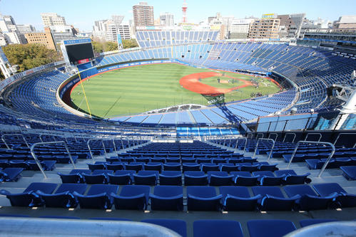 DeNA対阪神 増築された左翼スタンド席からの横浜スタジアムの全景(撮影・浅見桂子)