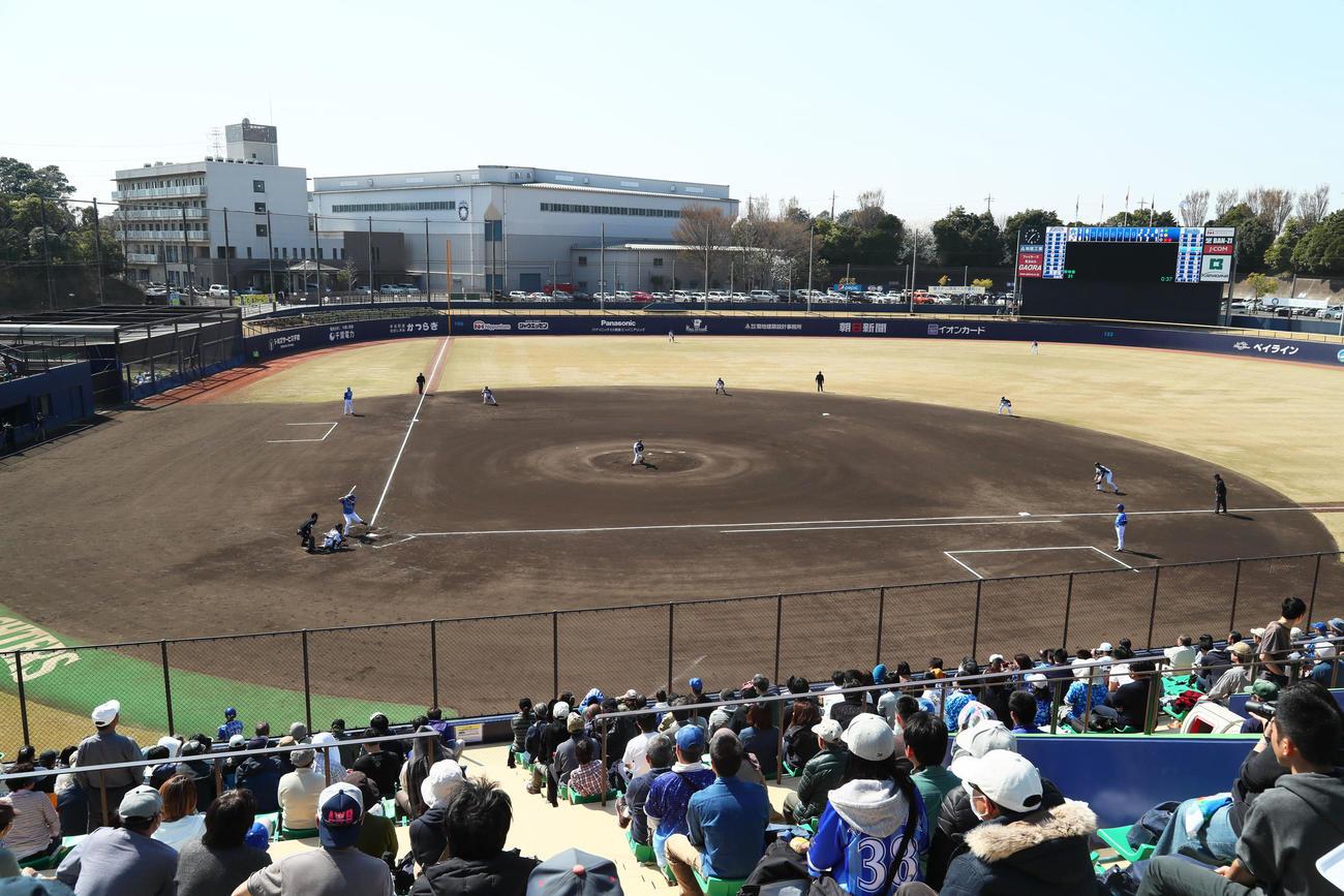 日本ハムの2軍本拠地の鎌ケ谷スタジアム(2018年3月25日撮影)