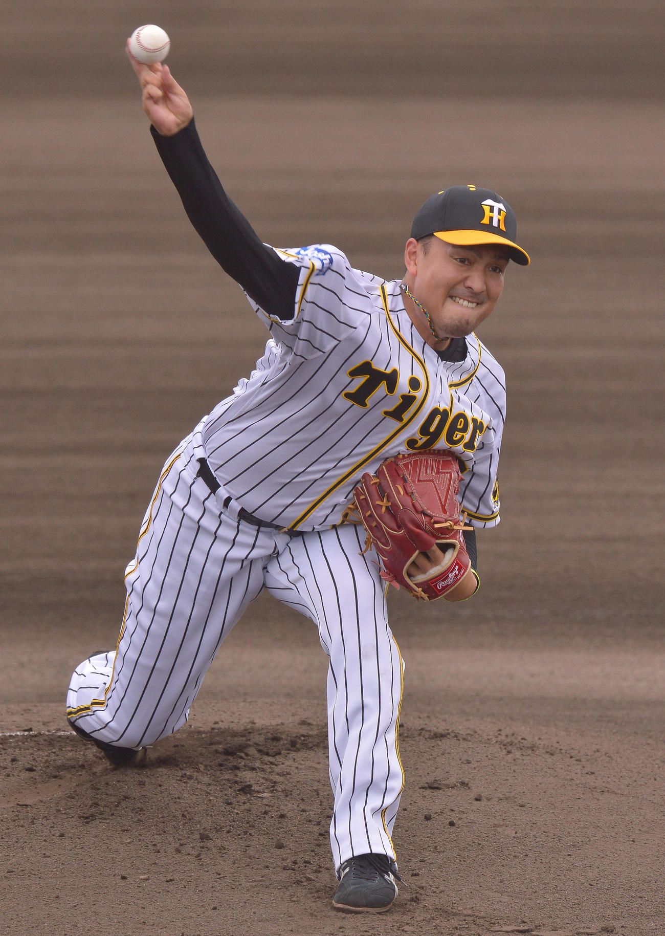 ウエスタン・リーグ阪神対ソフトバンク 先発した秋山は2回を1失点する