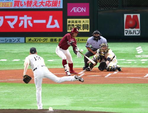 三塁打を放つ茂木(撮影・梅根麻紀)