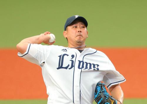 6月7日、中日との練習試合で登板する西武松坂