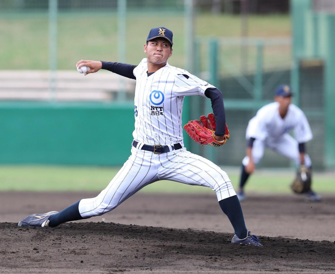 NTT西日本対NOMOベースボールクラブ 喪章をつけて先発するNTT西日本・大江(撮影・白石智彦)