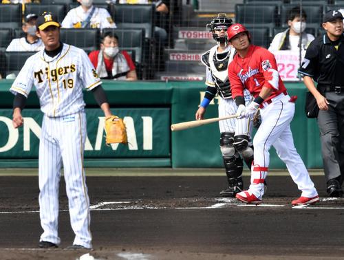 阪神広島東洋カープ1回表広島1死1,2塁鈴木誠は先制の左越え3点本塁打を放つ。 投手フジナミ(撮影前岡正明)