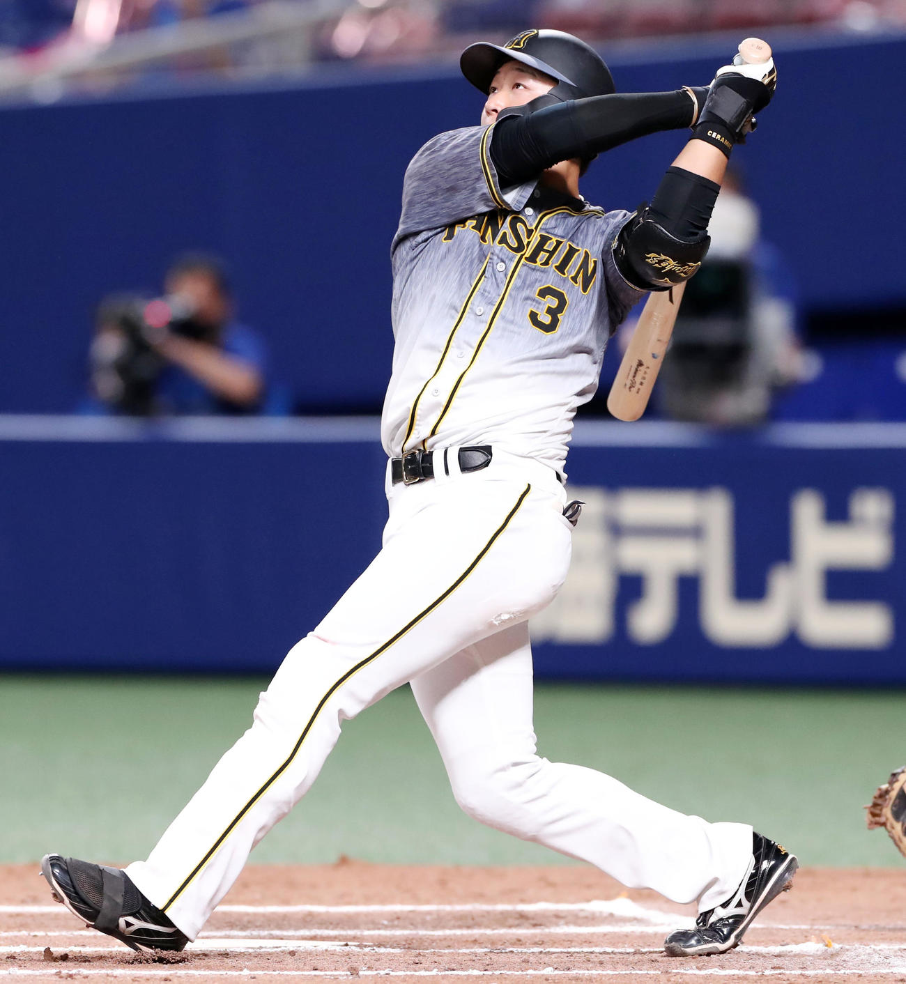 中日対阪神 6回表阪神無死満塁、大山は左越えに満塁弾を放つ(撮影・加藤哉)