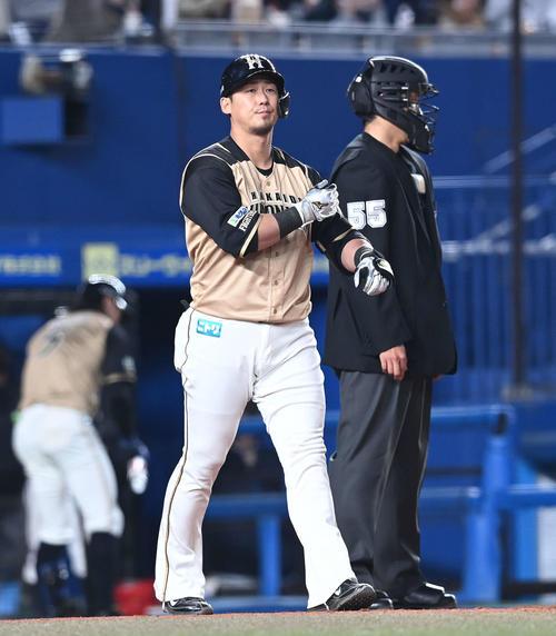 ロッテの日本ハム5回表日本ハム1死2塁四球を選択中田(撮影・鈴木みどり)