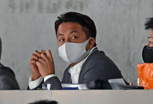 Lotte Sawamura watches the game from the press seat of Softbank vs.  Giant (photographed by Shota Iwashita)
