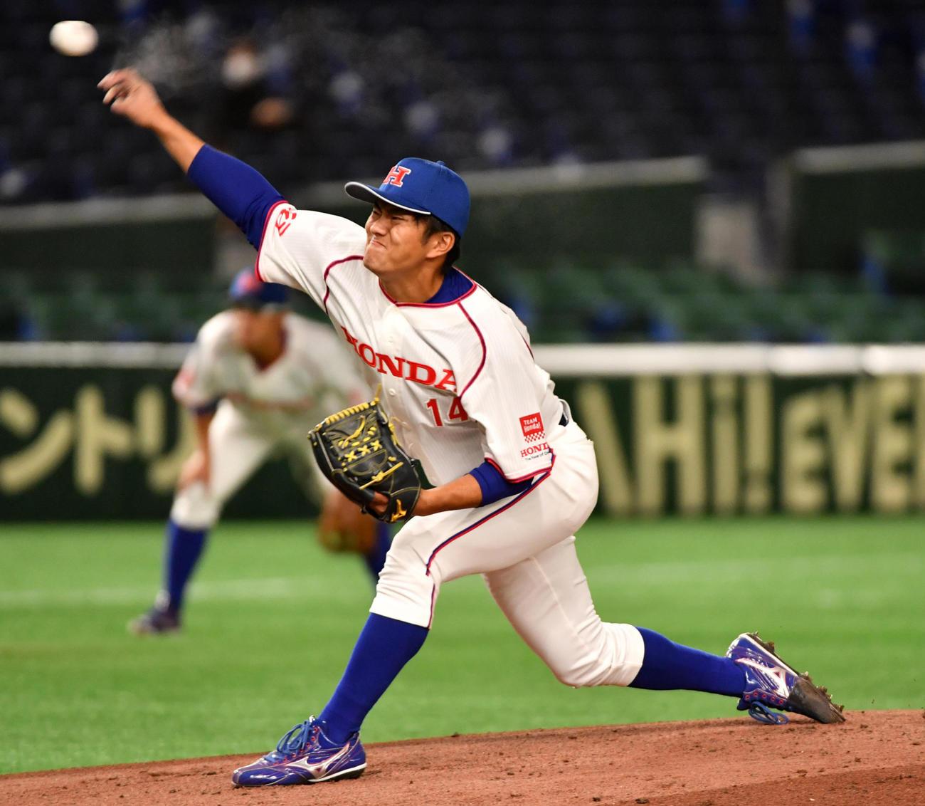 ホンダ対大阪ガス 先発したホンダ・朝山(撮影・柴田隆二)