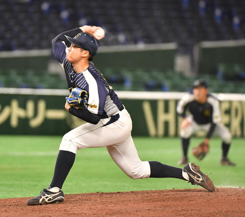 日本新薬対TDK 先発した日本新薬・西川(撮影・柴田隆二)