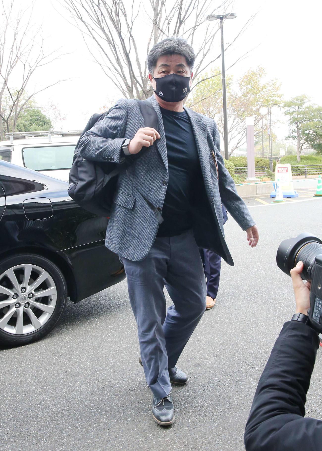 ペイペイドームを訪れた工藤監督(撮影・菊川光一)