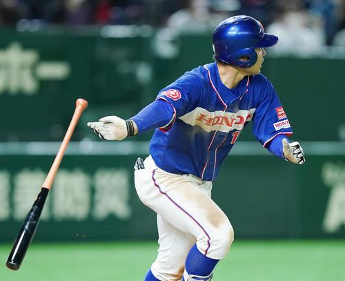 ENEОS対ホンダ 10回裏ホンダ1死満塁、左へサヨナラの2点適時二塁打を放つホンダ・井上(撮影・菅敏)