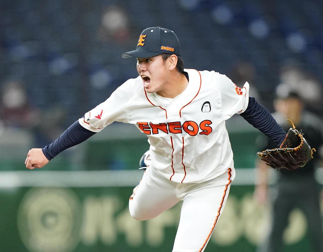 ENEOS対ホンダ 7回から3番手として登板し、力投するENEOS・伊藤(撮影・菅敏)
