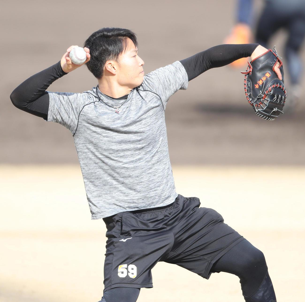 キャッチボールする藤田健斗(代表撮影)