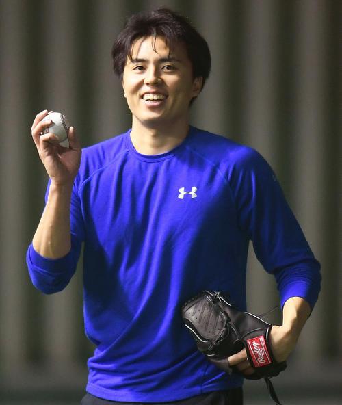 キャッチボールで調整する田中正義(代表撮影)