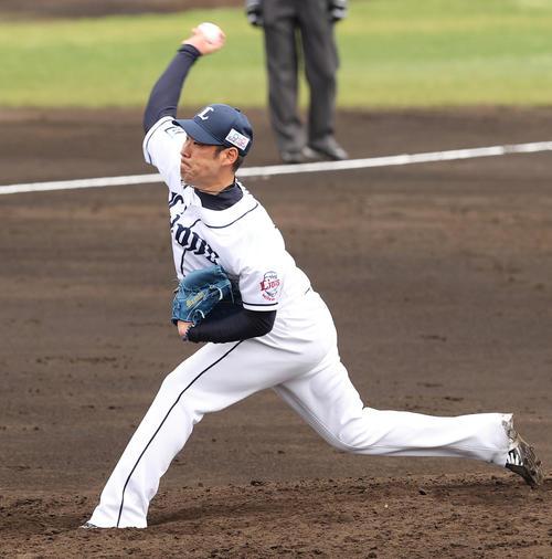 西武対ロッテ 4回、西武2番手で登板し力投する増田(撮影・垰建太)