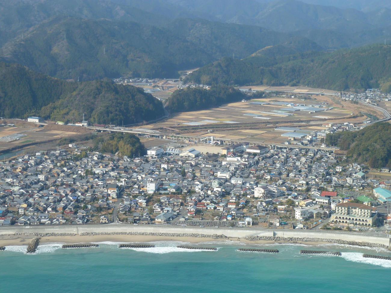 徳島県の最南端に位置する宍喰町(現海陽町)。太平洋に面する温暖なところ