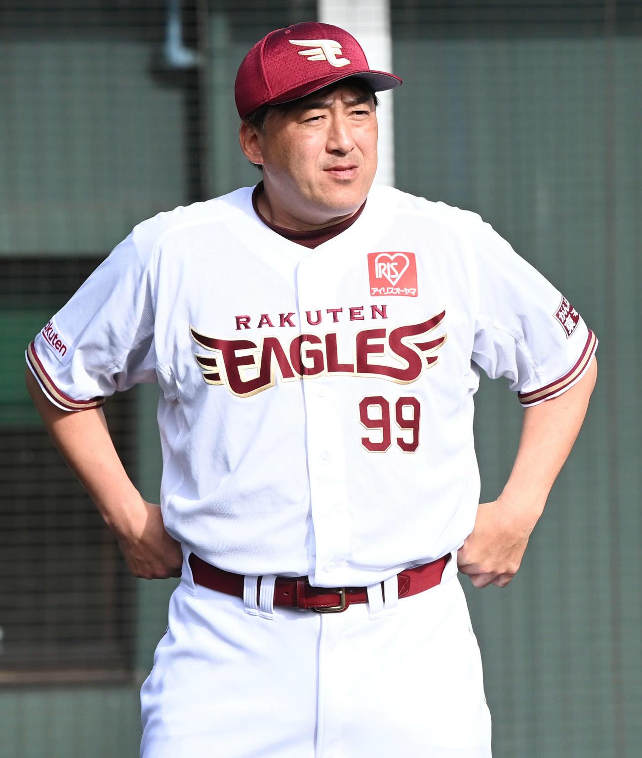 楽天石井一久GM兼監督(2021年2月13日撮影)