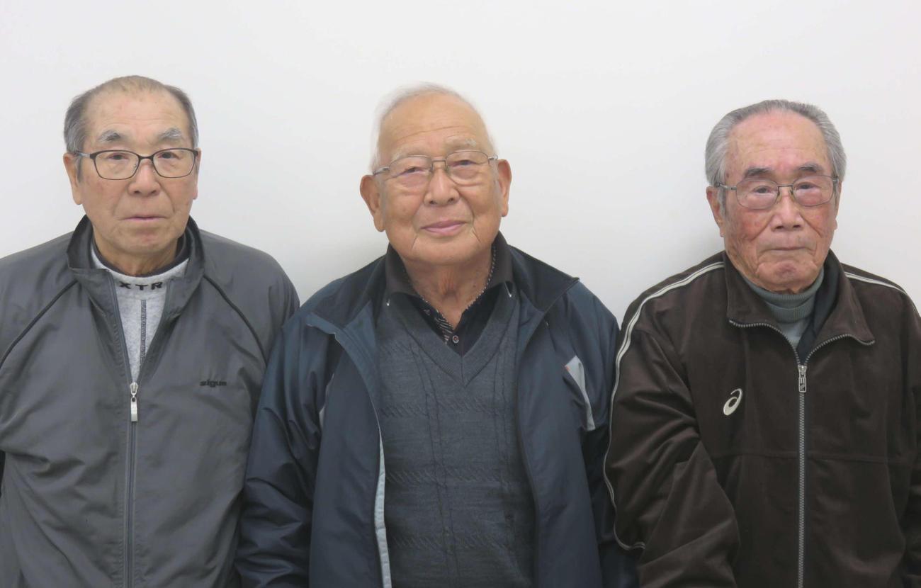 取材に応じてくれた地元関係者。左から浜田永治氏、谷口良一氏、吉田徳通氏