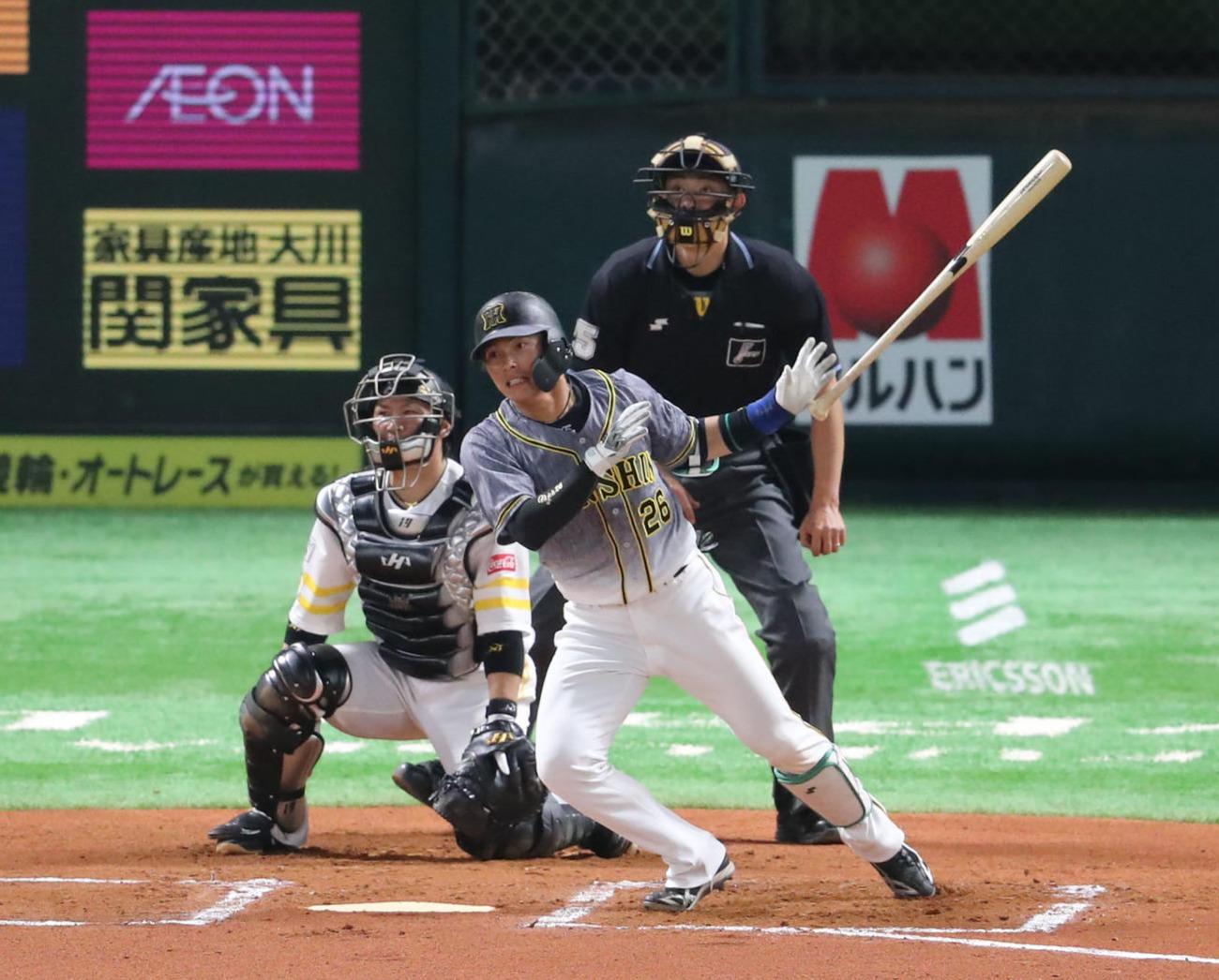 ソフトバンク対阪神 6回表阪神2死一塁、北條史也は右越えに適時二塁打を放つ(撮影・梅根麻紀)