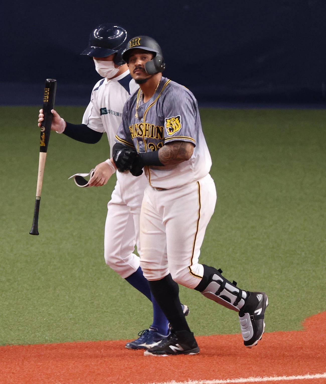 オリックス対阪神 7回表阪神2死一塁、4打席連続で四球を選ぶジェフリー・マルテ(撮影・清水貴仁)