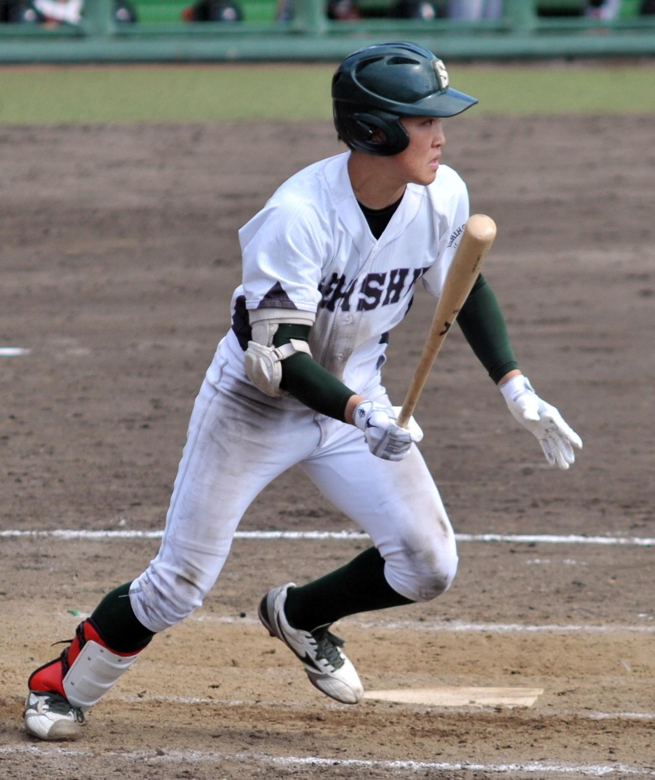 石巻専大・小川は、走者一掃の三塁打を含む2安打3打点と活躍