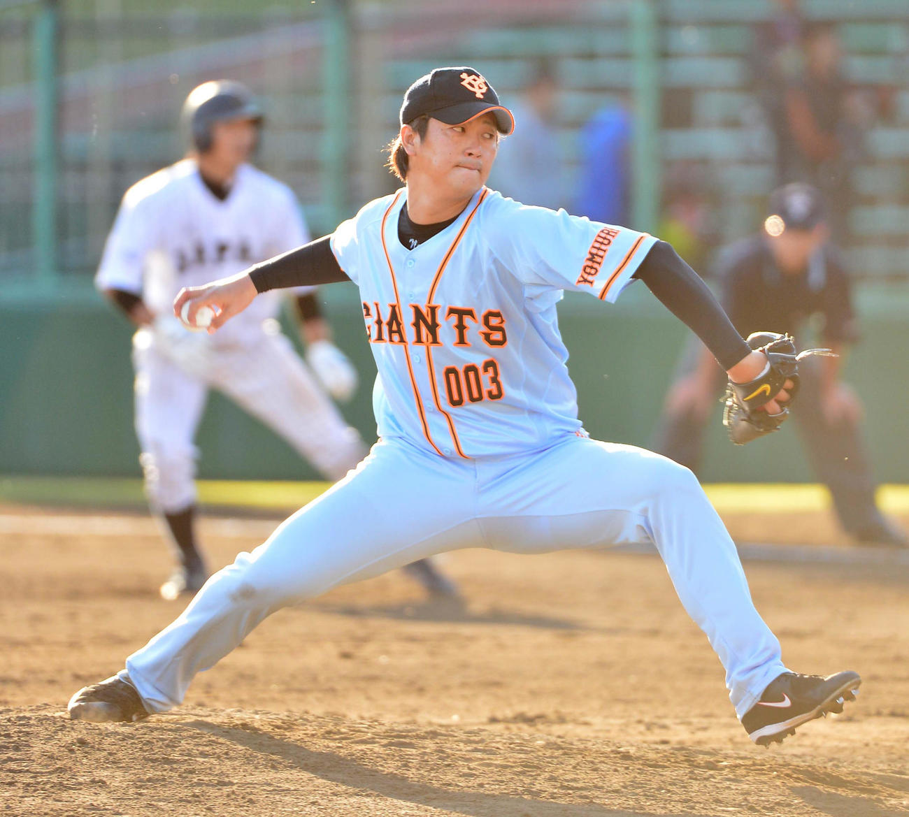 14年11月、21U日本代表対巨人 巨人4番手で登板した野間口貴彦氏