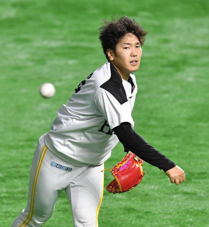 キャッチボールを行う石川(撮影・岩下翔太)