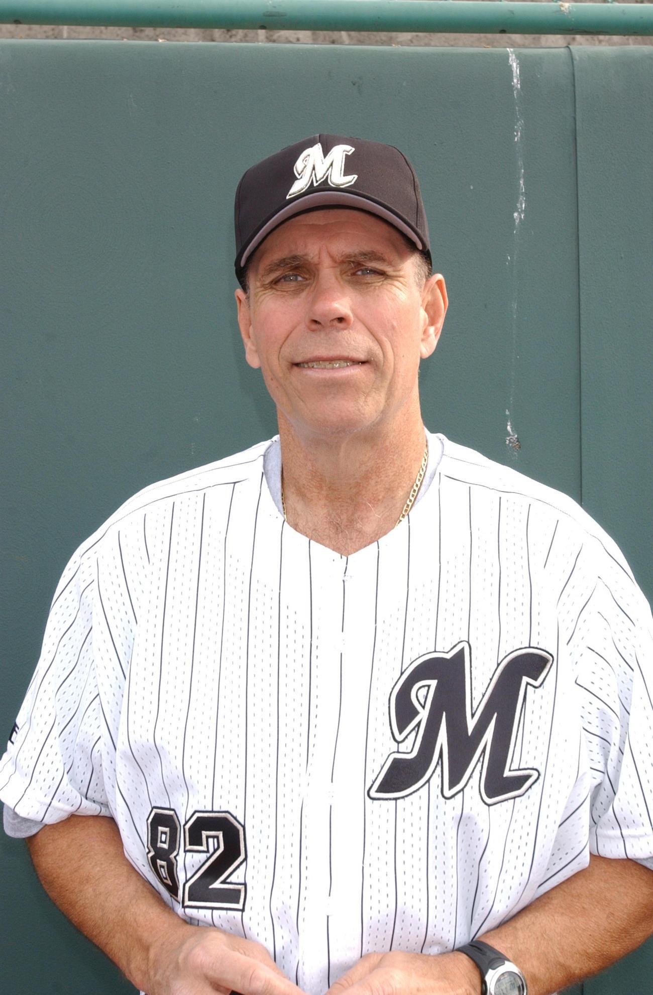 2004年、ロッテ打撃コーチを務めたトム・ロブソンさん