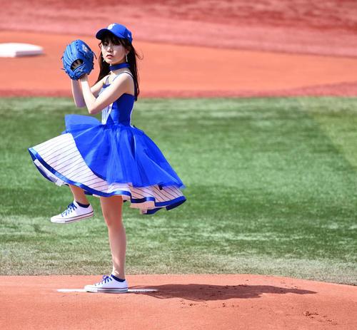DeNA対阪神 始球式を務めた太田あかり(撮影・たえ見朱実)