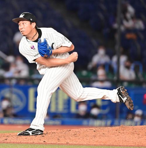 ロッテ対ヤクルト ロッテ4番手で登板した益田(撮影・小沢裕)