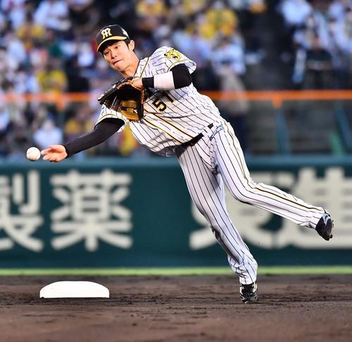 球宴】阪神中野拓夢は遊撃選出「1年目なのでハツラツとしたプレーを」 - プロ野球写真ニュース : 日刊スポーツ